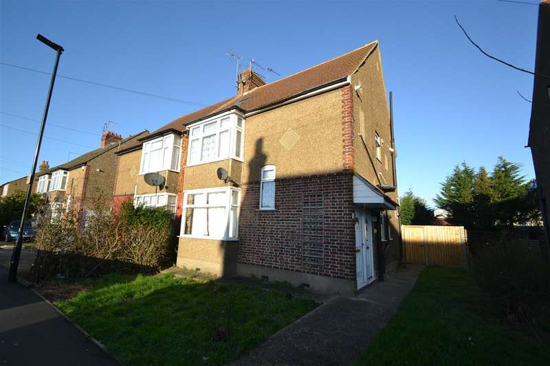 3 Bedrooms Maisonette Flat for sale in Imperial Road, Bedfont