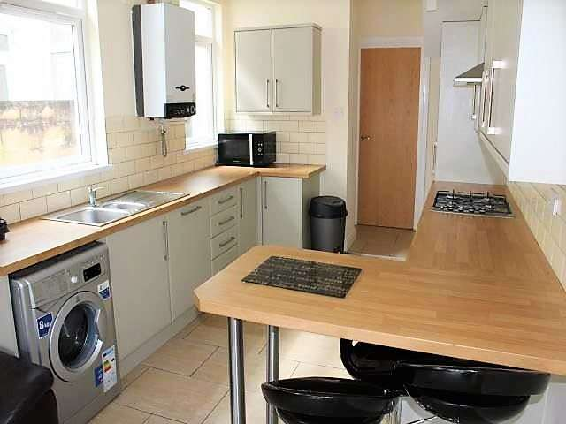 6 Bedrooms House for rent in Brithdir Street, Cathays, Cardiff