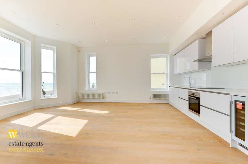3 Bedrooms Flat for sale in Cavendish House, Marine Parade, Worthing, BN11 3QG
