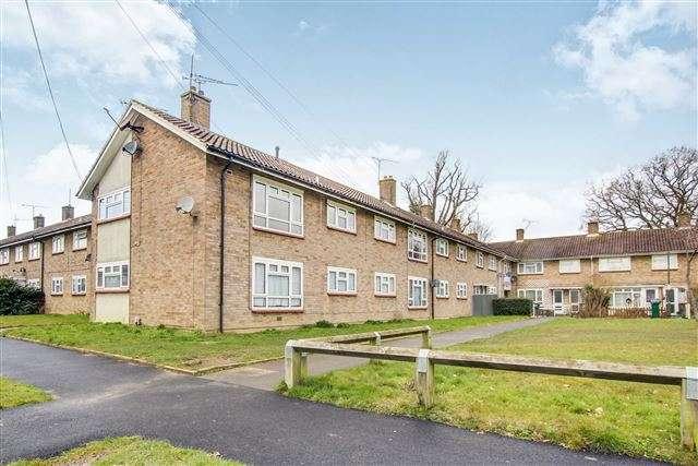 2 Bedrooms Maisonette Flat for sale in Tilgate, Crawley