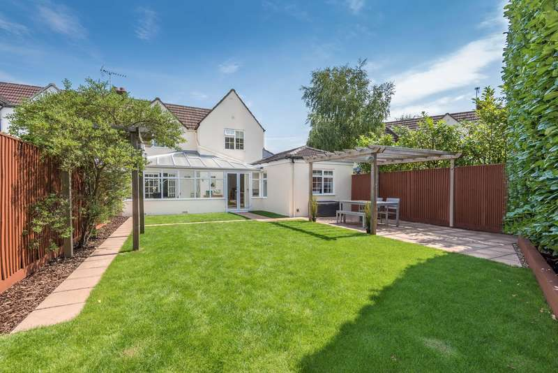 4 Bedrooms Semi Detached House for sale in Gold Hill West, Chalfont St Peter, Gerrards Cross, SL9