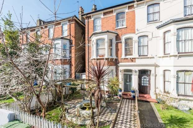 5 Bedrooms Maisonette Flat for sale in York Grove, London, SE15