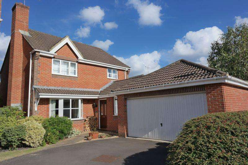 4 Bedrooms Detached House for sale in Wood End Way, Eastleigh