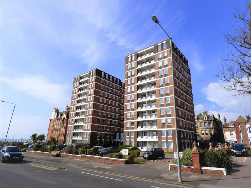 3 Bedrooms Apartment Flat for sale in Grand Avenue, Hove
