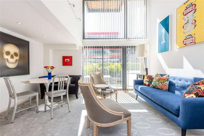 3 Bedrooms Terraced House for rent in Dickens Mews, 13-16 Britton Street, Clerkenwell, London, EC1M