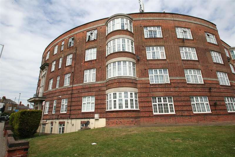 3 Bedrooms Flat for sale in Quadrant Close, The Burroughs Nw4, Hendon