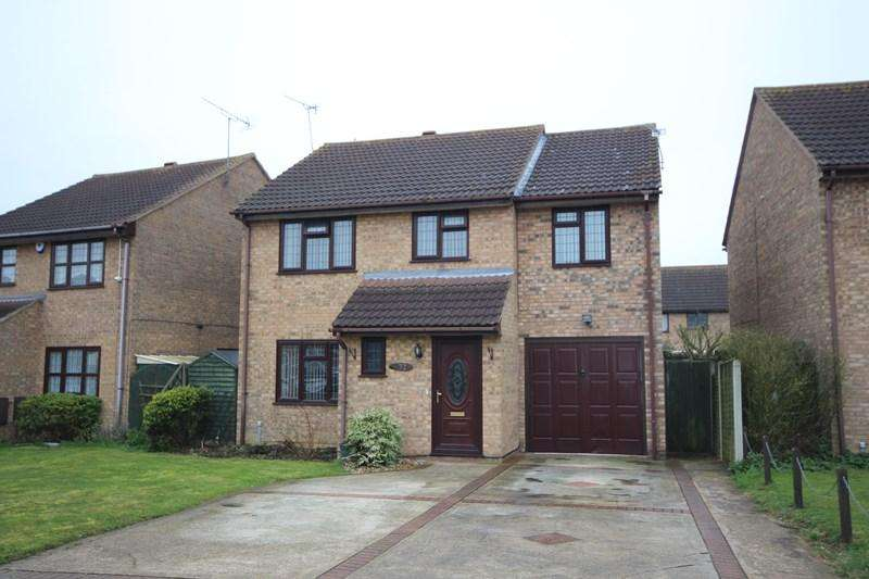 4 Bedrooms Detached House for sale in Hampstead Avenue, Clacton-On-Sea
