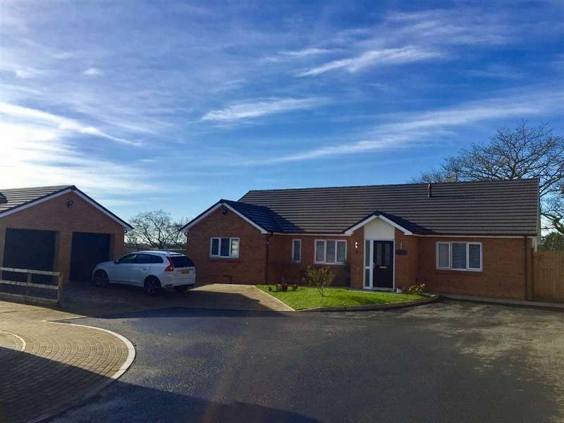 4 Bedrooms Detached Bungalow for sale in Ffordd Werdd, Gorslas