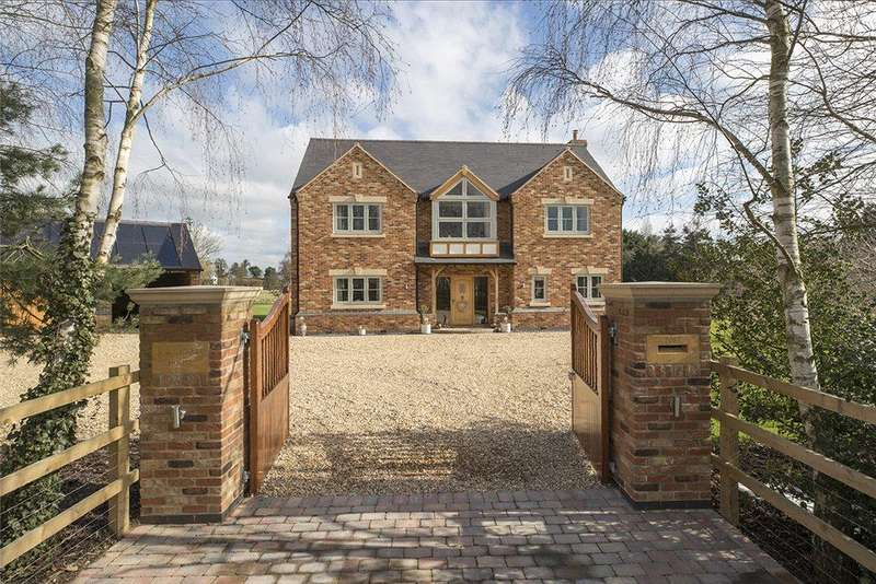 4 Bedrooms Detached House for sale in Greenacres Lane, Harvington, Worcestershire, WR11