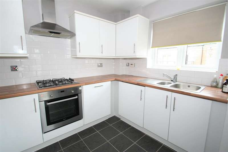 2 Bedrooms Apartment Flat for sale in Rubens Court, Cezanne Road, Watford