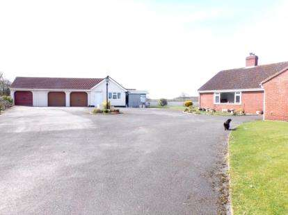 4 Bedrooms Bungalow for sale in Stogursey, Bridgwater, Somerset