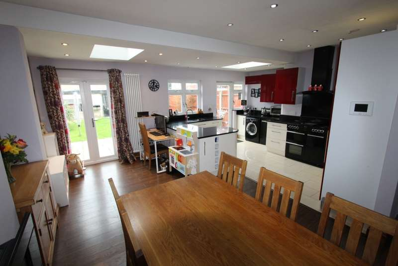 4 Bedrooms End Of Terrace House for sale in Aschurch Road, Croydon, CR0