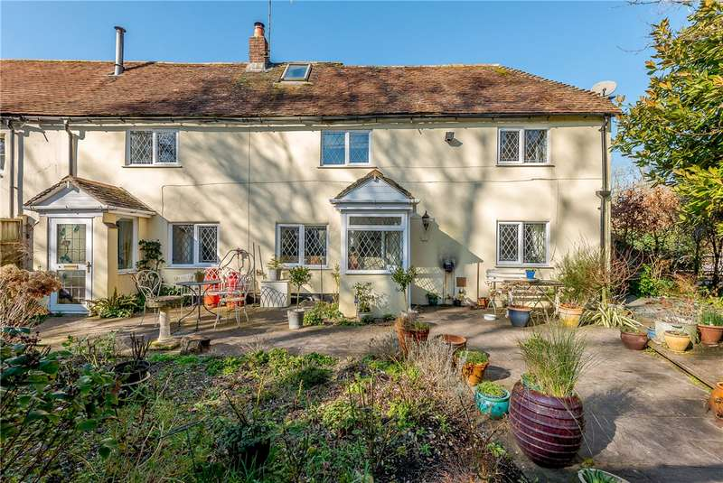 3 Bedrooms Semi Detached House for sale in Over Wallop, Stockbridge, Hampshire, SO20