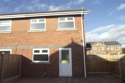 2 Bedrooms Semi Detached House for rent in Kestrel Drive, Crewe, CW1