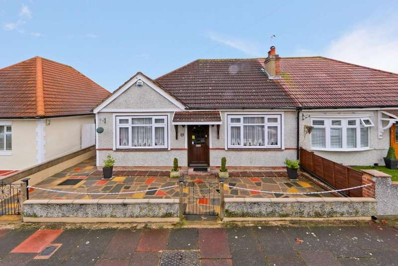 2 Bedrooms Bungalow for sale in Corbylands Road, Sidcup, DA15
