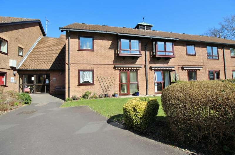 1 Bedroom Retirement Property for sale in Old Common Gardens, Locks Heath