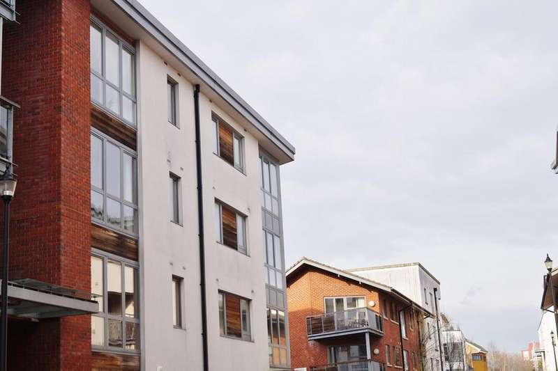 1 Bedroom Apartment Flat for sale in Chimney Steps, Close to Temple Meads, Bristol, BS2