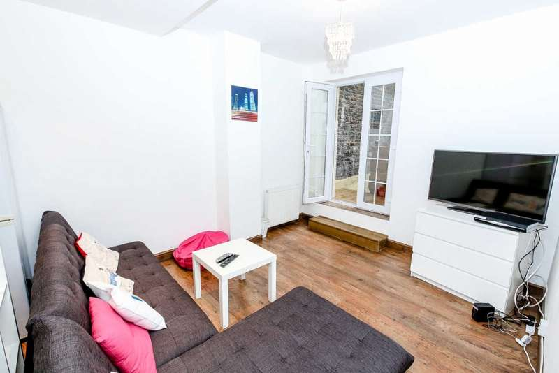 2 Bedrooms Flat for sale in Maple Street, Fitzrovia, London W1T