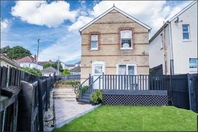 3 Bedrooms Detached House for sale in Lincoln Road, Poole
