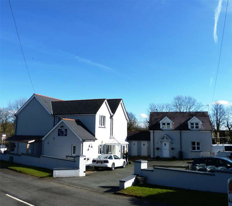 7 Bedrooms Detached House for sale in Cross Villa, Templeton, Narberth, Pembrokeshire