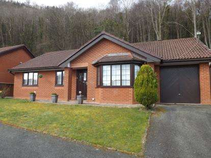 3 Bedrooms Bungalow for sale in Lon Dderwen, Abergele, Conwy, North Wales, LL22