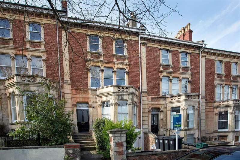 2 Bedrooms Flat for sale in Hanbury Road, Clifton