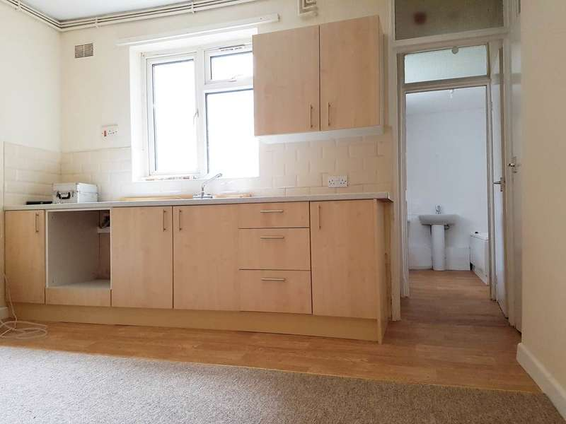 1 Bedroom Flat for rent in Ground Floor Flat Salisbury Street, St. George, Bristol