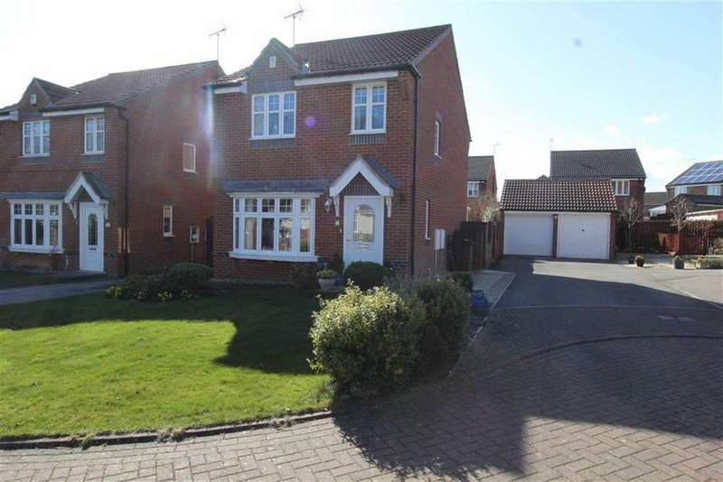 3 Bedrooms Detached House for sale in Stowe Garth, Bridlington, YO16