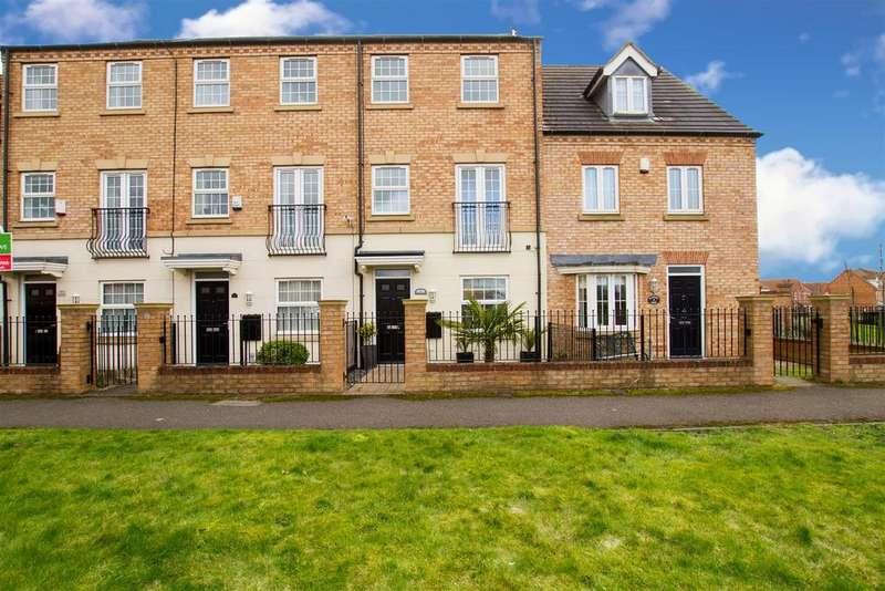 3 Bedrooms Town House for sale in Blakeney Mews, Dinnington, Sheffield