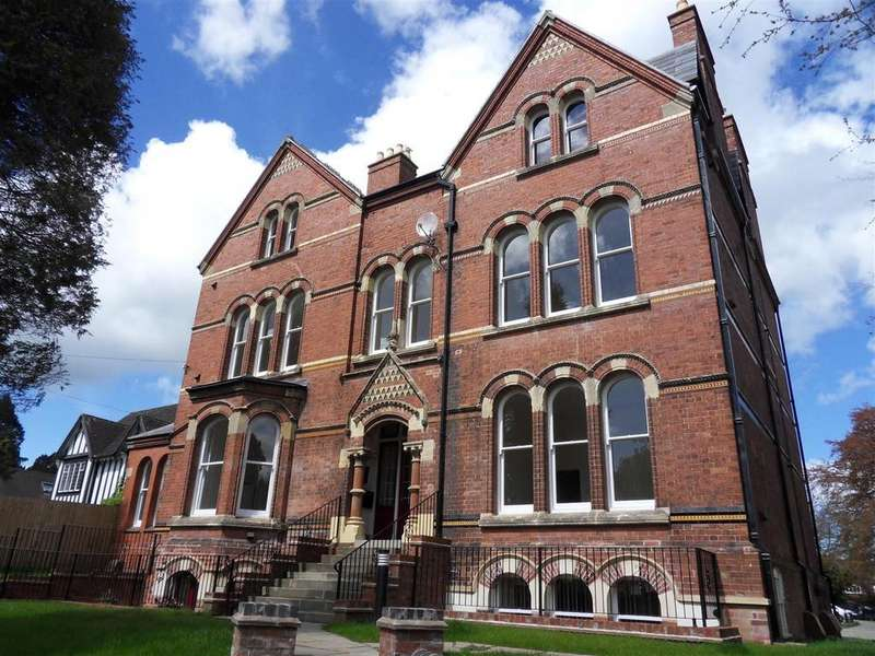 2 Bedrooms Flat for sale in Broomy Hill, Hereford