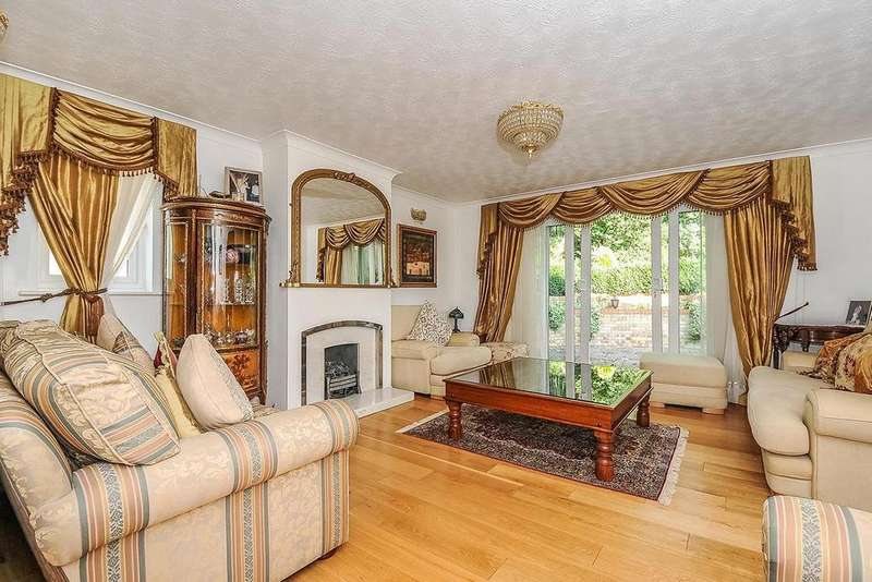 4 Bedrooms Detached House for sale in Kingswood Drive, Crystal Palace