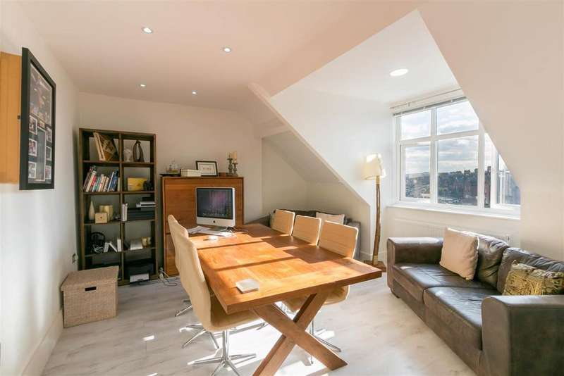 3 Bedrooms Flat for rent in Osborne Road, Jesmond, Newcastle upon Tyne