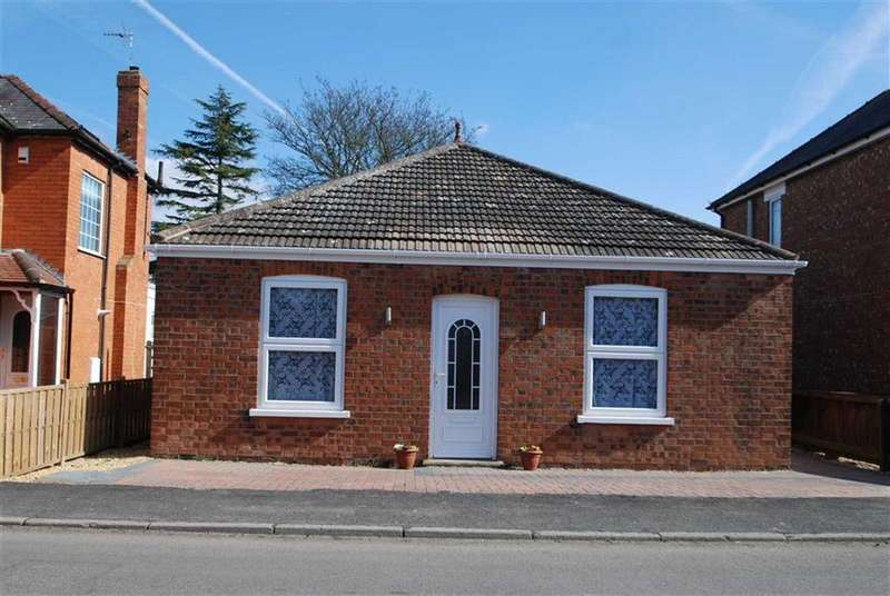 2 Bedrooms Detached Bungalow for sale in Park Road, Boston