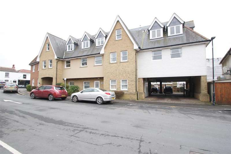 2 Bedrooms Apartment Flat for sale in London Hill, Rayleigh