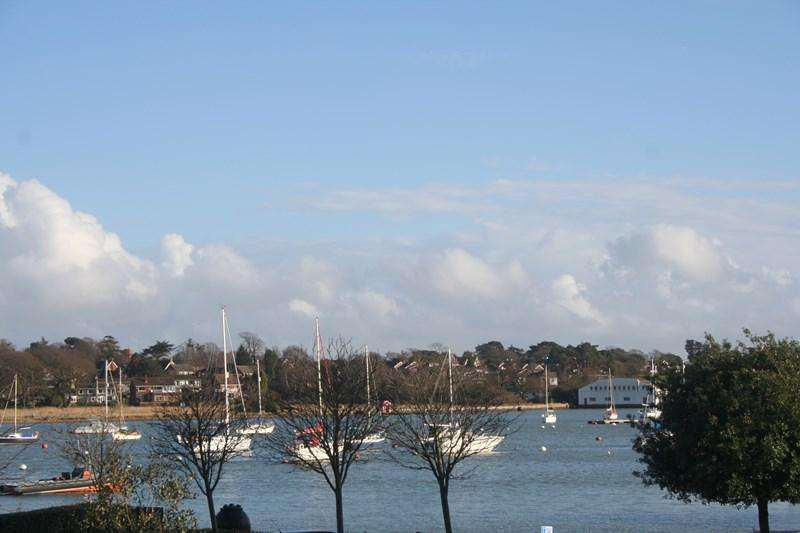 3 Bedrooms Town House for sale in Oyster Quay, Hamble, Southampton