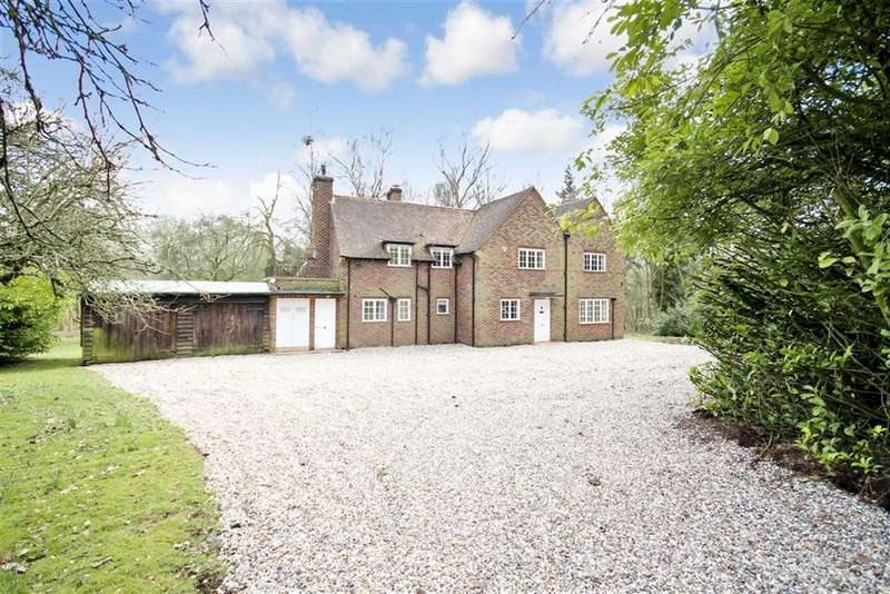 4 Bedrooms Detached House for rent in Bere Court Road, Pangbourne, Reading