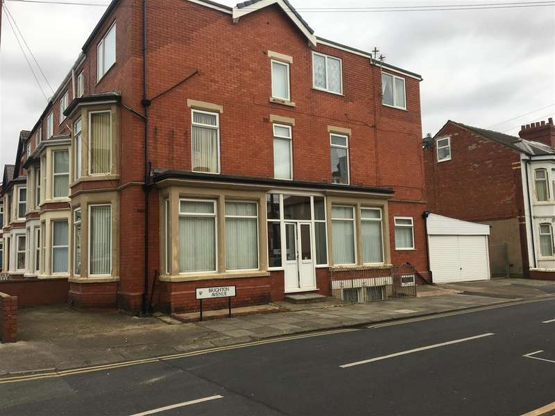 5 Bedrooms Flat for sale in Brighton Avenue, Blackpool