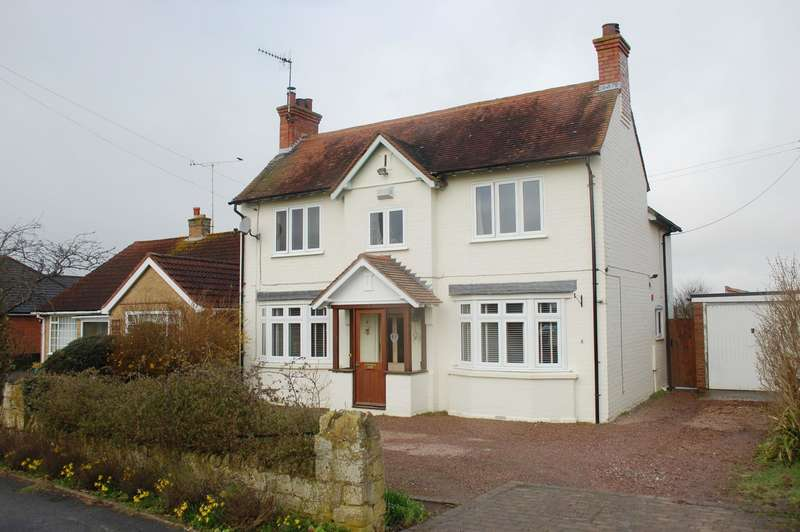 4 Bedrooms Detached House for sale in Cleeve Road, Marcliff, B50