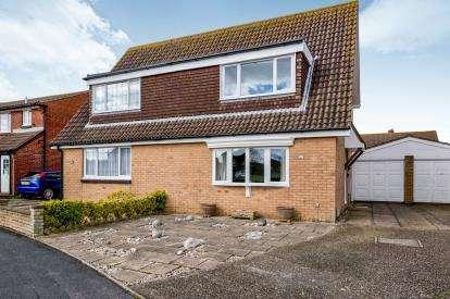 3 Bedrooms Semi Detached House for sale in Stubbington