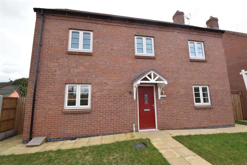 3 Bedrooms Detached House for sale in Droitwich Road, Hanbury, Bromsgrove