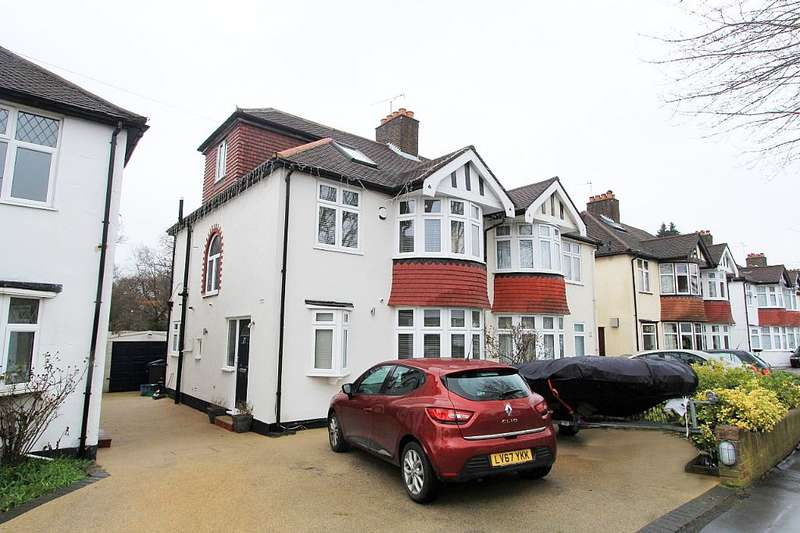 4 Bedrooms Semi Detached House for sale in Links View Road, Croydon, London, CR0 8NA