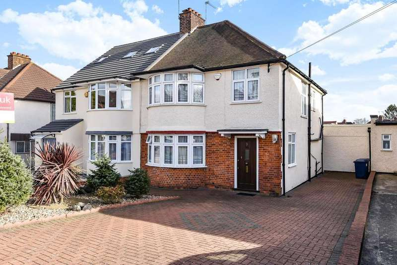 3 Bedrooms Semi Detached House for sale in Sandringham Gardens, North Finchley