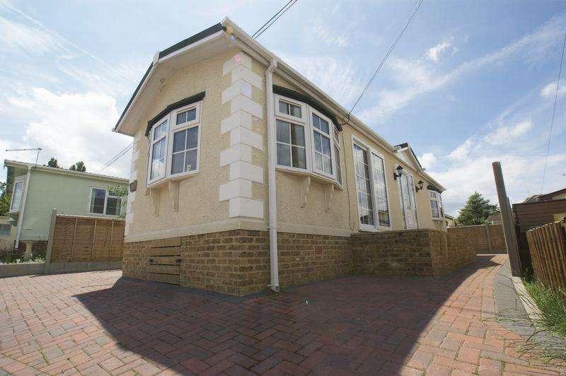 2 Bedrooms Park Home Mobile Home for sale in Gracelands, Lyndhurst Road, Christchurch