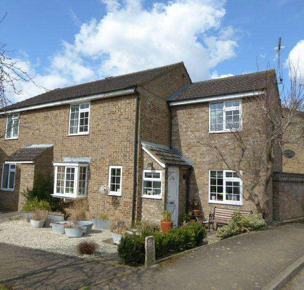 3 Bedrooms Semi Detached House for sale in Blenheim Rise, Kings Sutton