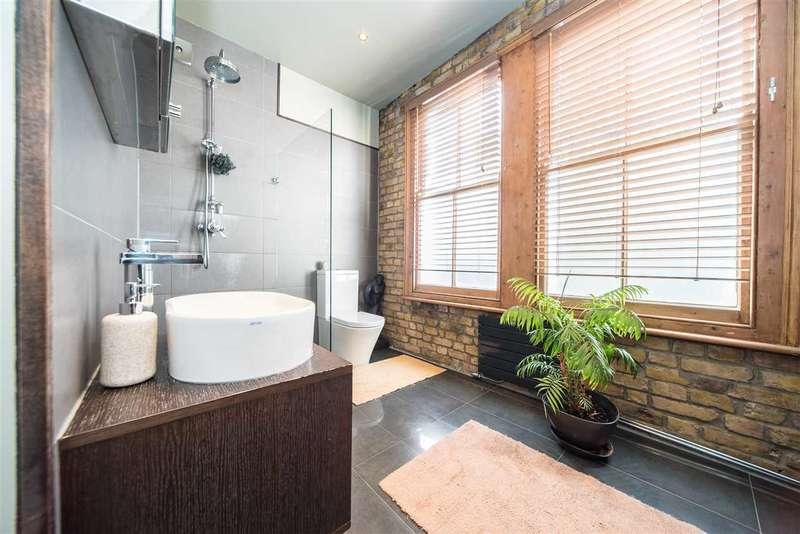 3 Bedrooms Flat for sale in Ivy Crescent, Chiswick