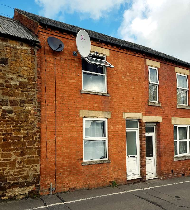 2 Bedrooms Terraced House for rent in Jacksons Lane, Wellingborough, Northamptonshire. NN8 4LB