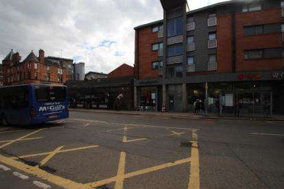 2 Bedrooms Flat for sale in Dumbarton Road, Partick, Glasgow