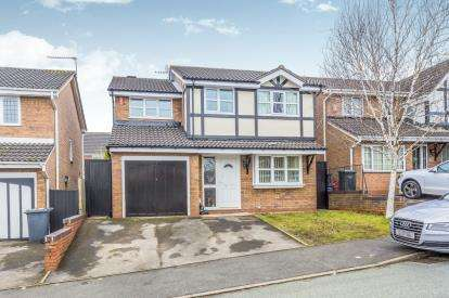 4 Bedrooms Detached House for sale in Calrofold Drive, Waterhayes, Newcastle Under Lyme, Staffs