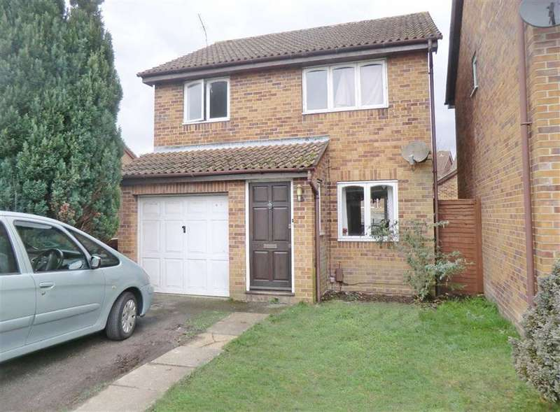3 Bedrooms House for sale in Beauchamps Gardens, Bournemouth, Dorset