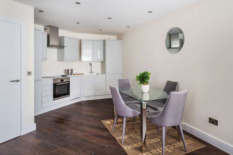 1 Bedroom Flat for sale in Church Lane, Oxted, Surrey.